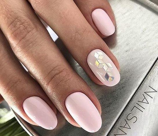 удчаный маникюр нежно розовый