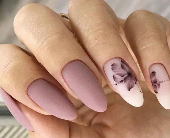 темнопудровый дизайн ногтей с росписью