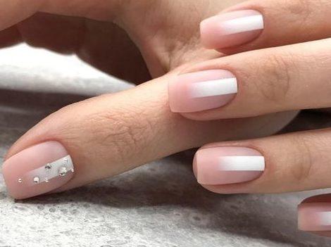 вертикальная полоса ногти