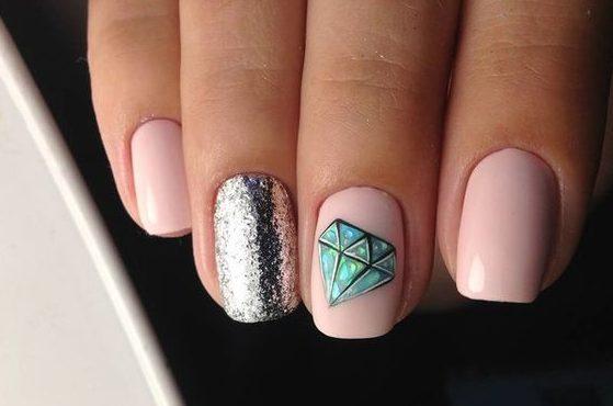 алмаз на ногтях бриллиант