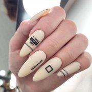 матовый маникюр идеи комбинированного дизайна ногтей с надписями