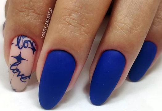стильный синий маникюр 2020-2021 идеи дизайна ногтей